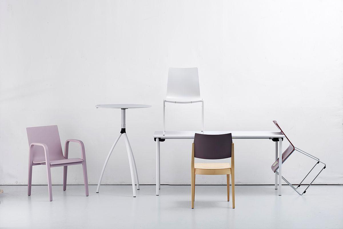 Braun Lockenhaus Sessel Und Tische Made In Austria