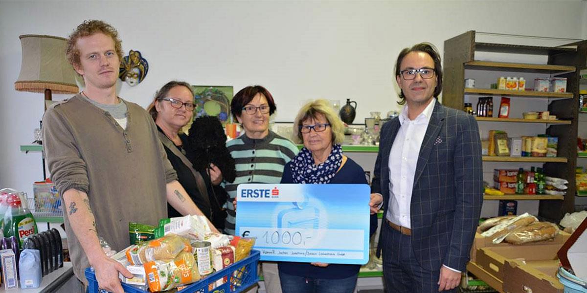 Spendenscheck überreicht Braun Lockenhaus Engagiert Sich Für