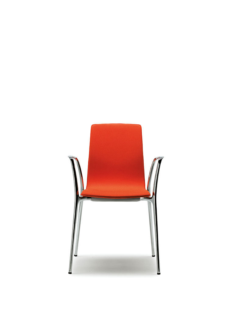 Gorka by AKABA | fully upholstered | with armrests