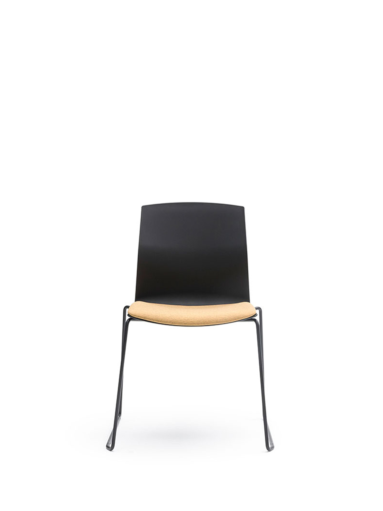 AKABA | Kabi Wire | skid-base chair | black | upholstered seat