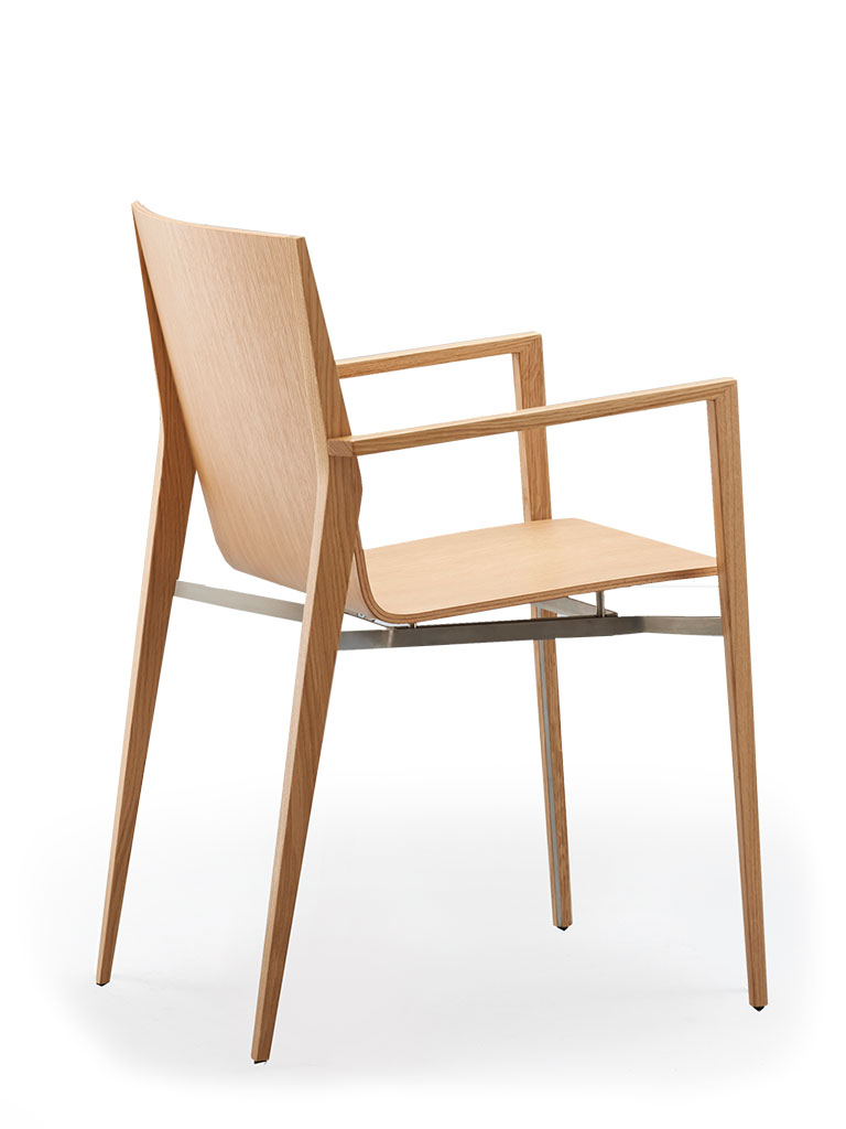 tendo | four-legged chair | not upholstered | with armrests