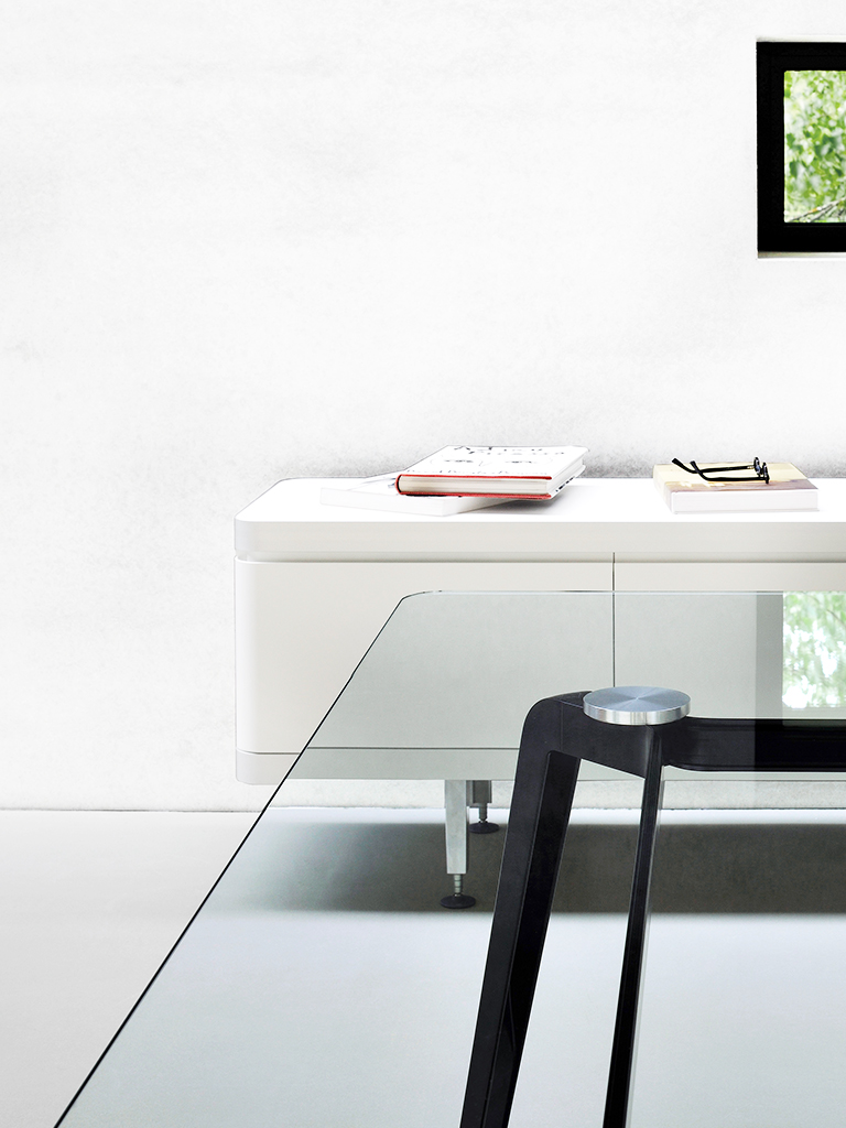 CQ table.co | Daniel Korb | Conferencing table | Szenerie