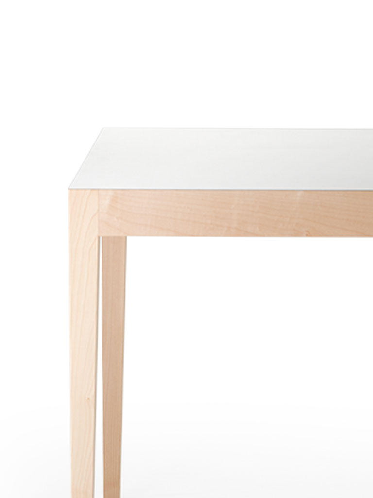Kollektion.58 | Contract Table | Érable massif
