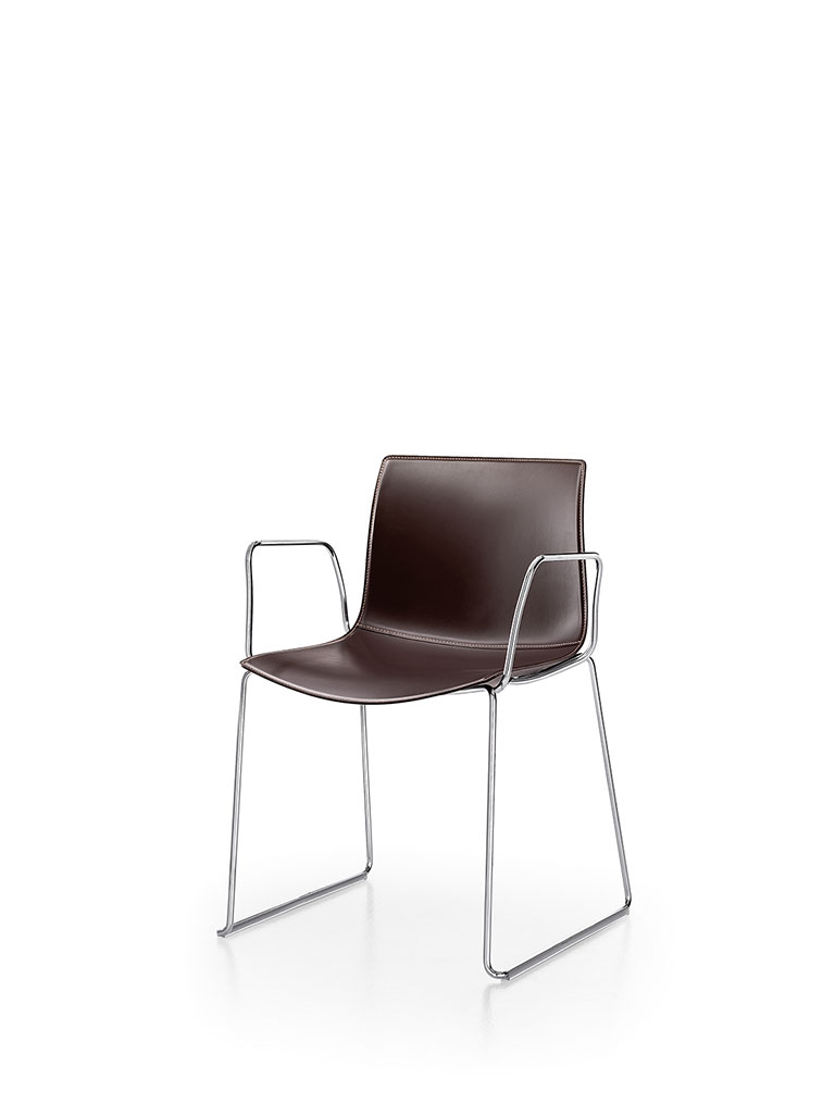 Catifa 46 by Arper | skid-base chair | fully upholstered | with armrests